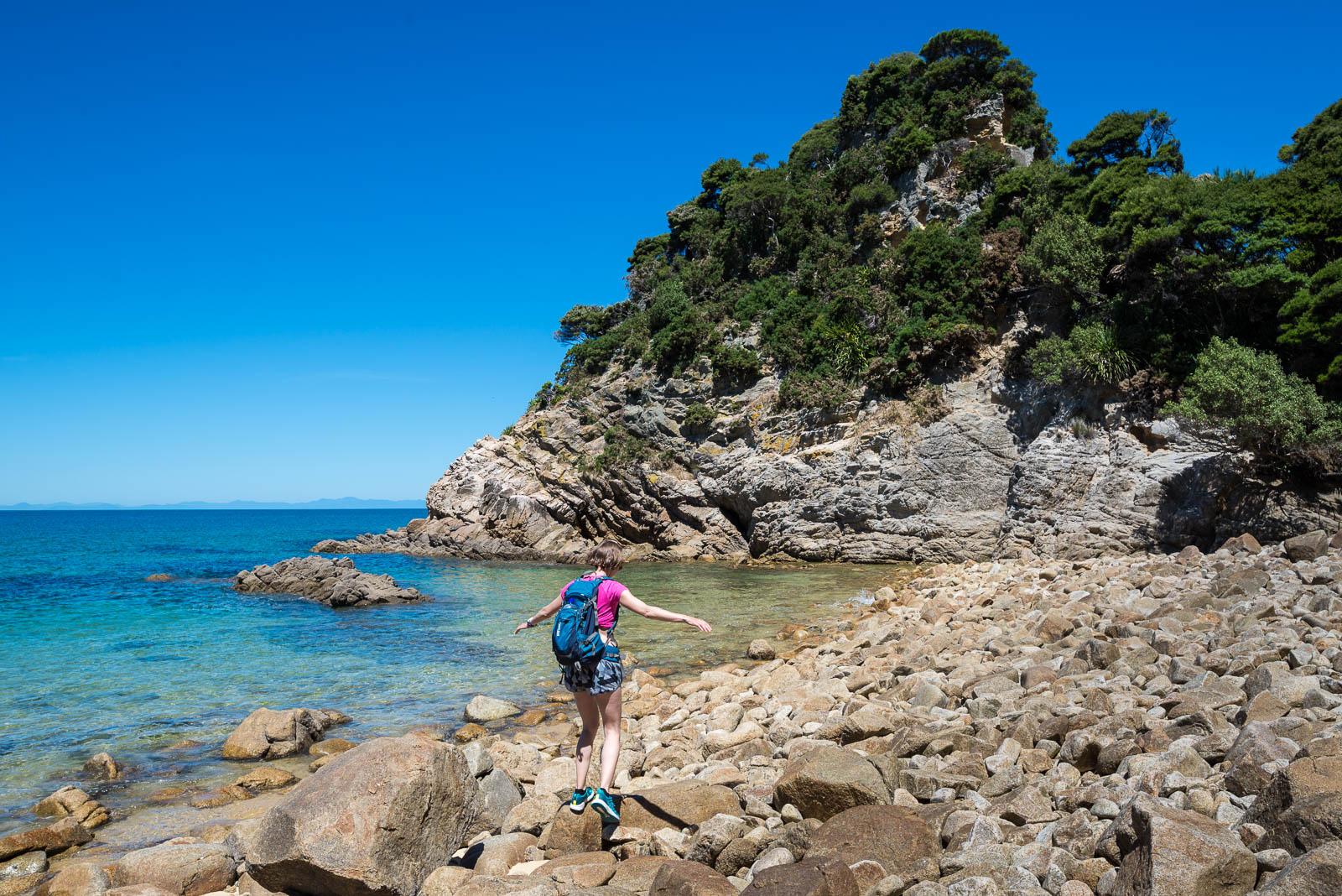 Abel Tasman Coast Walk rocky beach