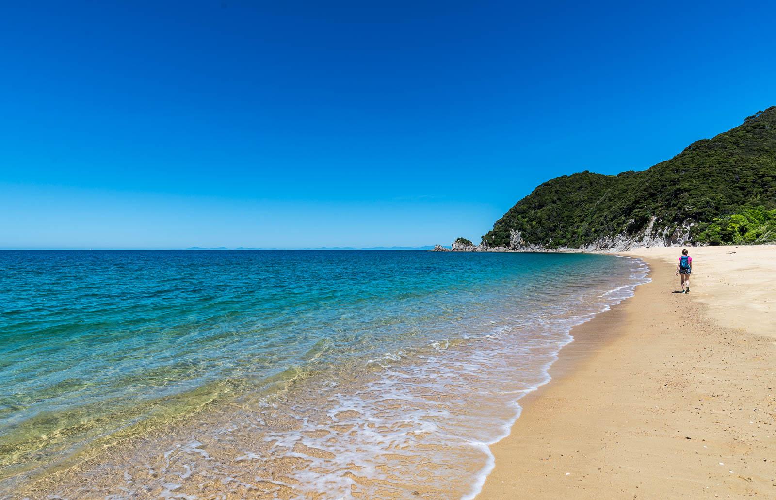Abel Tasman Coast Walk sandy beach