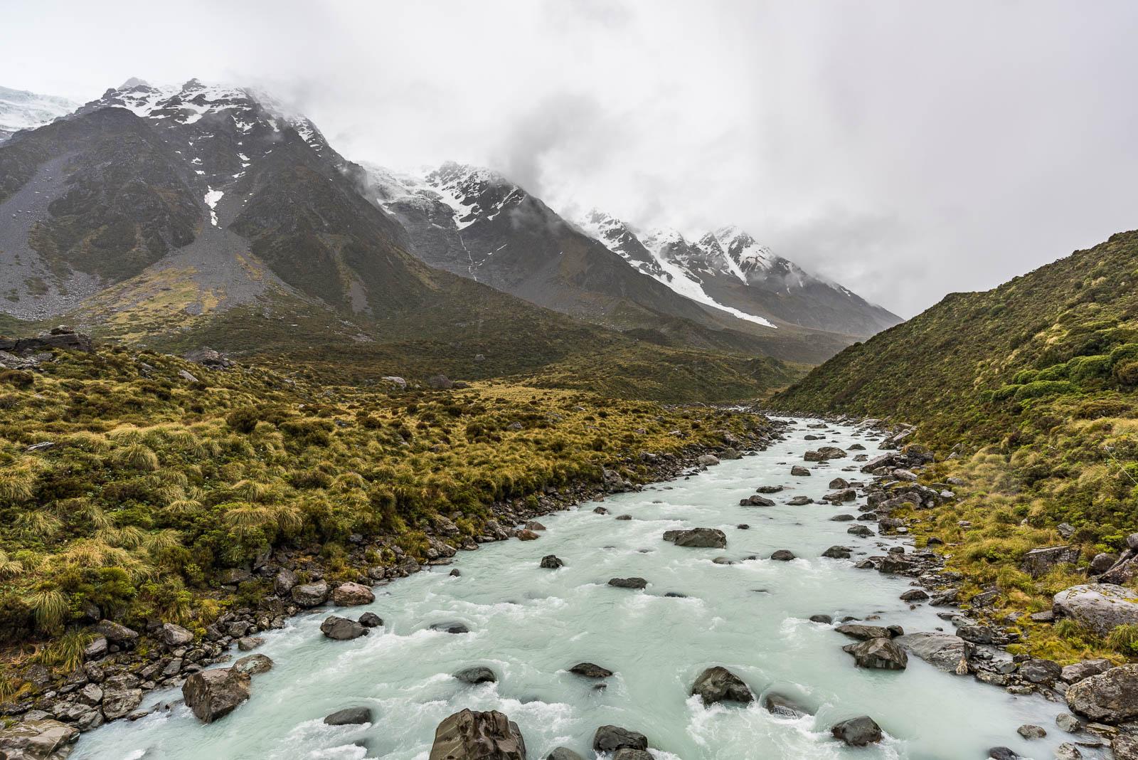 Hooker Valley River glacier