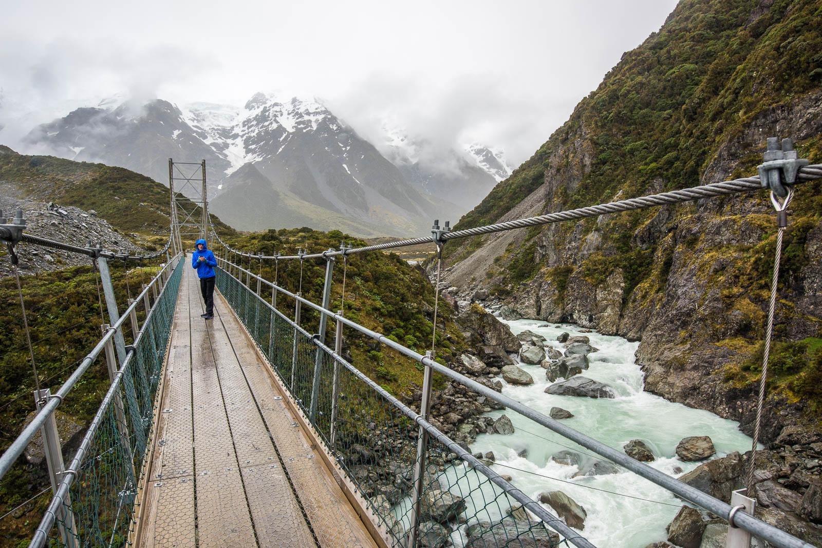 Hooker Valley Track hanging bridge