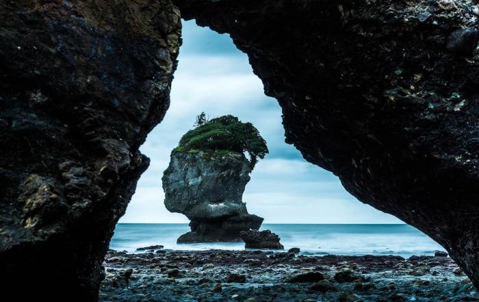 Motukiekie Beach seastack island arch